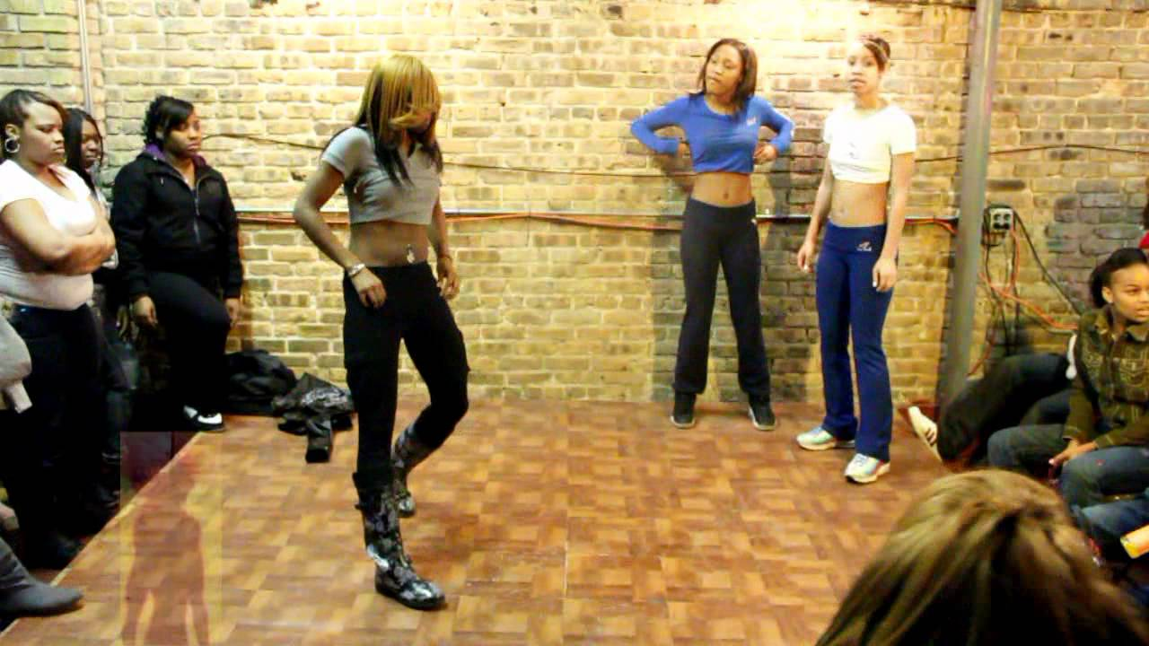 QUI QUI & ASHANTI vs NEW GIRLS ( WALA CAM ) HIP ROLLING at DA WAR ZONE