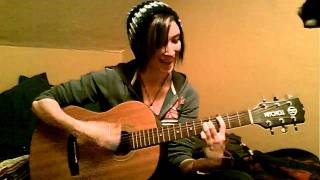 Jet- Are you gonna be my girl (Female Acoustic Cover)