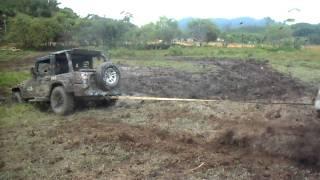Jeep Club Jaraguá do Sul - Trilhão 2011- Dakota puxando Troller