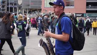 Tyler Varnell Street Saxophone at Seahawks - Like I'm Gonna Lose You (Meghan Trainor & John Legend)