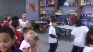 BRINCADEIRAS MUSICAIS -TUMBALACATUMBA