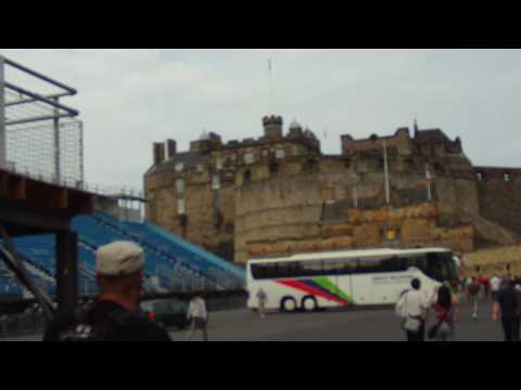 UK 2010 Trip – Walking towards the Edinburgh Castle