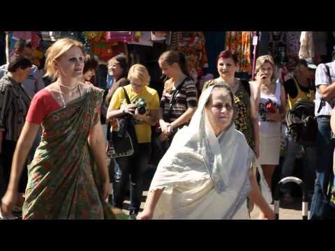 Харинама в Чернигове. Krishna parade in Chernihiv, Ukraine.