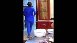 Serial actress hot back shaking - extremely hot width=