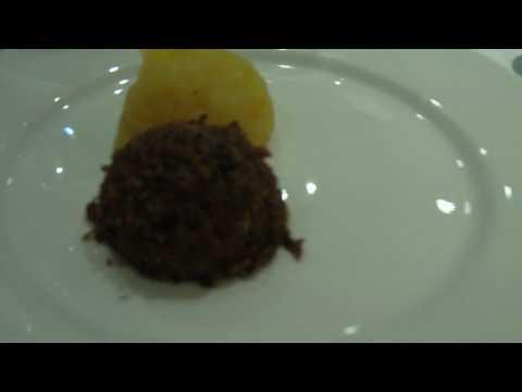 UK 2010 Trip – The Ultimate Scottish Experience – Haggis Taste Test