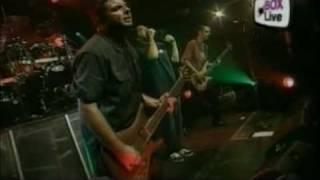 05. Staind- Suffer Live Grunspan Hamburg 20 08 01