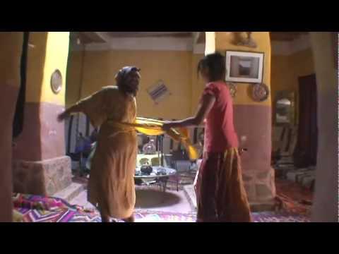 Danse féminine  Gnawi dans le vieux Ksour de Taghit (karkabou)