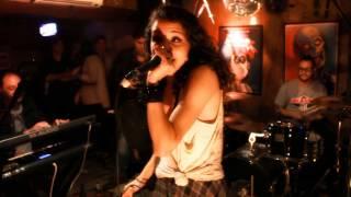TROPICAL TORNADO ( Ela Vai ) Ao Vivo no 74 Club.