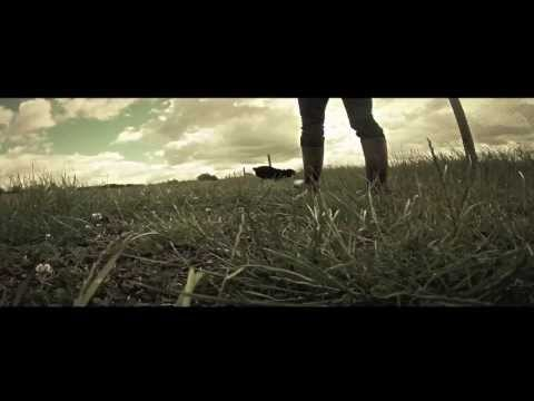 el-tambor-de-la-tribu-adios-mundo-cruel-official-lyric-video-eltambortv