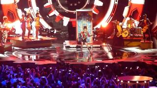 Taylor Swift - We Are Never Ever Getting Back Together Live EMAs 2012