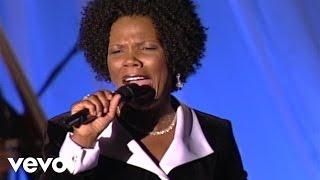 Lynda Randle - Search Me, Lord [Live]