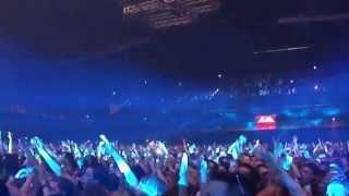 "I am Hardwell Concert Live: Hardwell spinning SHM ""Dont you worry child"""