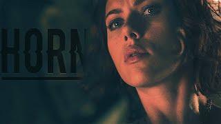 Natasha Romanoff || Horns