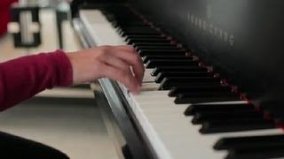 How to Finger Fast Runs on a Piano : Piano Lessons width=