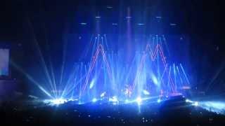 Arctic Monkeys - Mardy Bum live in Madrid 2013 HD