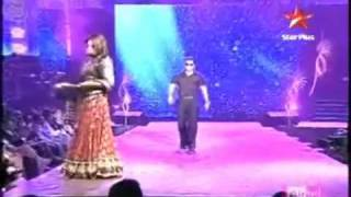 Salman Khan and Sonakshi Sinha Dabangg on the Ramp IIFA 2010  better Quality