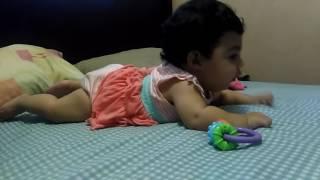 Elenita quiere gatear. 5 meses 16 días