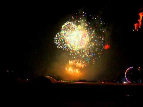Edinburgh's Hogmanay Fireworks 2011 01-01-12.MOV