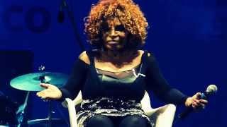 Elza Soares - Mas, Que Nada! [15.06.2013]