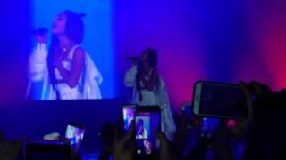 Crowd Ariana Grande One Last Time México Ariana llorando?