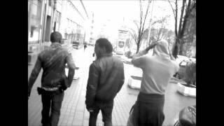 22 Twos - Revolva ft. Wall-young-en