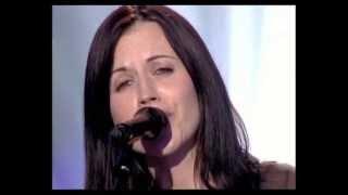 "Dolores O' Riordan ""Cranberries"" - Ordinary Day Live"