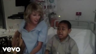Taylor Swift - Shake It Off (Live - Lady Cilento Children's Hospital)
