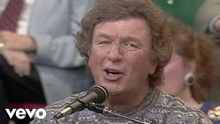 Bill Gaither - Grace Greater Than Our Sin (Live)