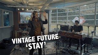 Vintage Future & Mell - 'Stay' (Rihanna cover) live @ Ekdom in de Ochtend