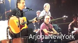 """Ricardo Arjona canta """"El Triste"""" de José José"""