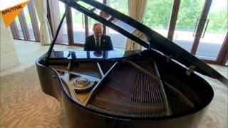 """Vladimir Putin plays""""Mantissa""""(MARINA SATTI PIANO COVER)"""
