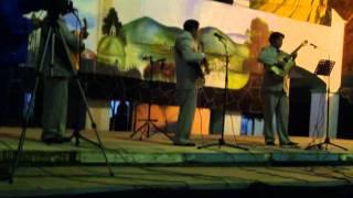trio bohemia mix cantando embrujo.wmv