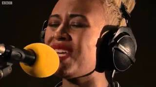 Emeli Sande Next To Me (BBC Radio 1 Live Lounge 2011) -w/lyrics