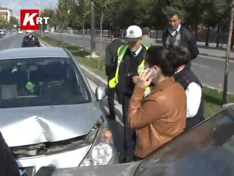 İzmir Yolu Ticaret Lisesi Kavşağında Kaza