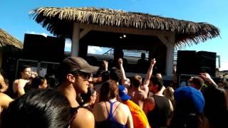 Sean Tyas @ Beachclub   Paul Van Dyk feat. Sue McLaren - Lights (Giuseppe Ottaviani OnAir remix)