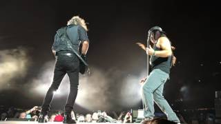 Metallica:  Chicago, IL 6/18/17 clip 6 I Disappear jam pt 1