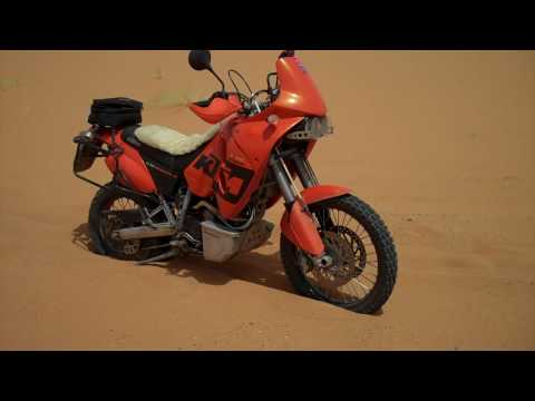 Stuck in sand – Erg Chebbi