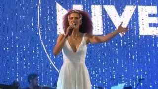 Vanessa da Mata canta Tom Jobim - Falando de Amor (São Paulo)