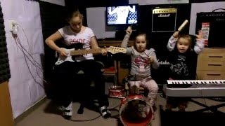 AC/DC - Highway to Hell Cover Girls Rock Band