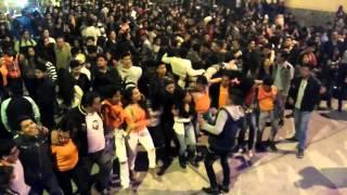 Estrechándome - La Retroband cover Rabito en vivo