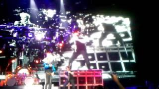 Van Halen - Running with the Devil - Live at Boardwalk Hall - Atlantic City, NJ - 3/24/12