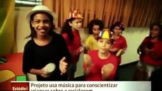 Globo News   Projeto usa música para ensinar crianças sobre reciclagem