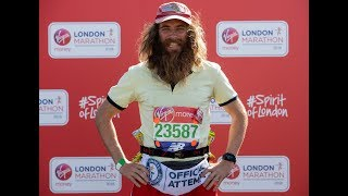"""British Man's """"Forrest Gump"""" Obsession Leads to 15,600-mile Run Across America"""
