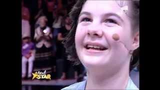 Gigi Becali i-a facut o surpriză imensă lui Lorelai, fetiță fără brațe și femururi