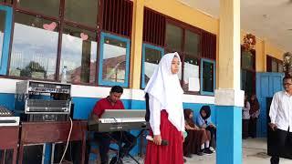 Si kecil  _ Rita Sugiarto  Cover - Nurhesti Hapipah