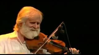 John Sheahan ( The Dubliners ) plays Irish Washerwoman