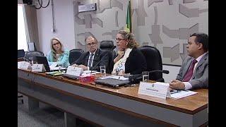 Especialistas defendem distribuição da laringe eletrônica pelo SUS