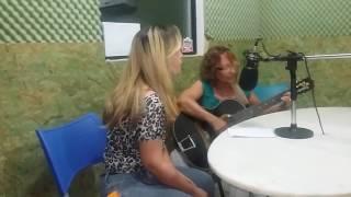 Eu e minha mãe Dorcelina na rádio Educativa de Iporá...
