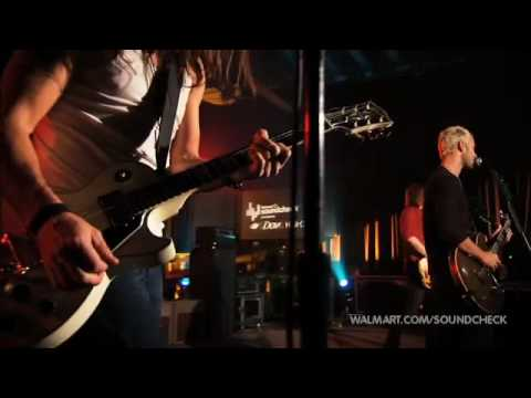 lifehouse-hanging-by-a-moment-live-walmart-soundcheck-1-may-2010-cvonc