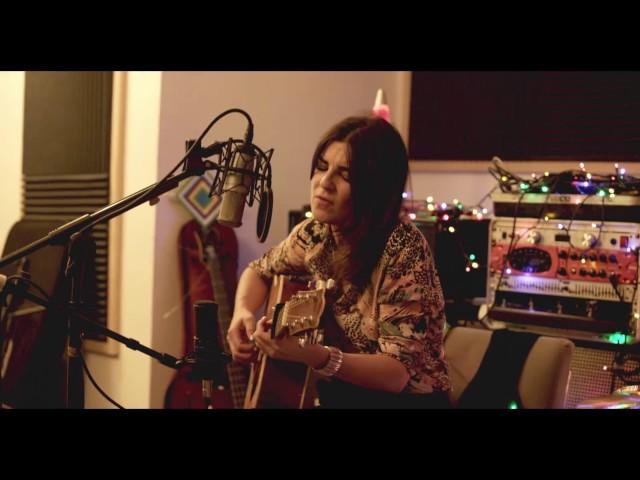 Vídeo de la canción Taxi Dorado de Marta Tchai